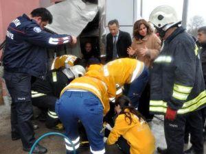 Aile ve Sosyal Politikalar Müdürlüğünün Engelli Asansörü Düştü: 1 Yaralı