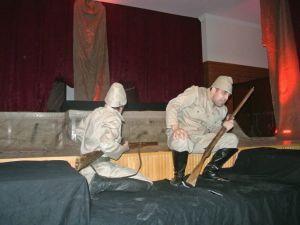 Reyyan Derneğinden Çanakkale Zaferine Tiyatrolu Kutlama