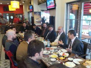 MHP Milletvekili Adayları Bagiadın Kahvaltısına Katıldı