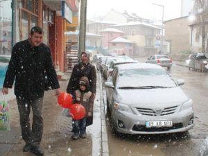 23 Nisanda Bayburtta Kar Sürprizi