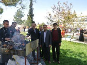 Reyyan Derneğinden Fakir Öğrenciler Yararına Kermes