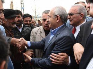 Kılıçdaroğlu, Hanakta Coşkuyla Karşılandı