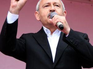 Kılıçdaroğlu, Iğdır Mitinginde Ezan Başlayınca Konuşmasına Ara Verdi