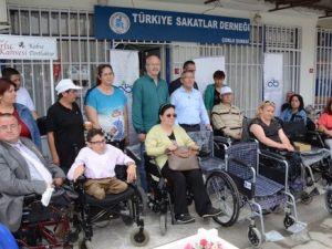 Çorluda İhtiyaç Sahiplerine Tekerlekli Sandalye