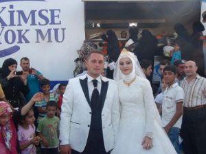 Düğün Yemeğini Suriyeli Mültecilerle Yememiz Mutluluğumuza Mutluluk Kattı