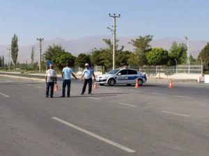 Teröristlerle Sıcak Temas Sağlandı, Iğdır-Ağrı Karayolu Trafiğe Kapatıldı
