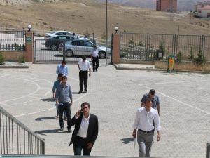 Bayburttaki Koleje Vali Yardımcısı Başkanlığında Polis Baskını