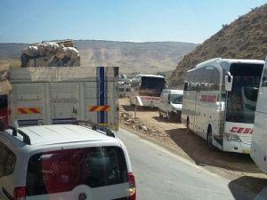 PKKlı Teröristler Yol Kesti, Bir Uzman Çavuş Yaralandı