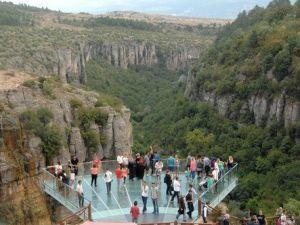 Kristal Terastan Kanyon Manzarası Turistleri Cezbediyor