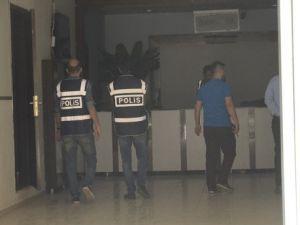 Siirtte 3 Eğitim Kurumuna Polis Eşliğinde Baskın