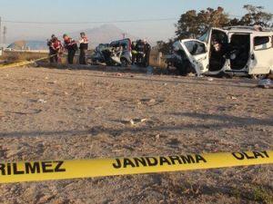 Aksarayda Kaza: 1 Ölü, 12 Yaralı