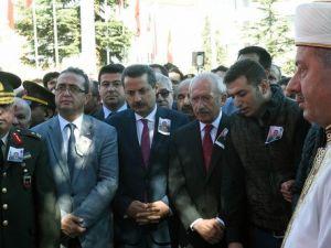 Kılıçdaroğlu, Şehit Uzman Çavuş Ufku Demirelin Cenazesine Katıldı