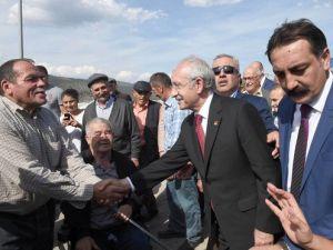 Kılıçdaroğlu, Amasyalı Köylüleri Ziyaret Etti