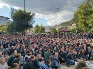 Ankaradaki Saldırıya Tunceliden Oturma ve Yürüyüşlü Tepki