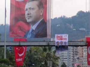 CHPli Adayın Erdoğan Posteri Tepkisi