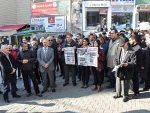 Can Dündar ve Erdem Gülün Tutuklanması Protesto Edildi