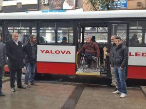 Belediye Araç Verdi, Engelliler Fuara Katıldı