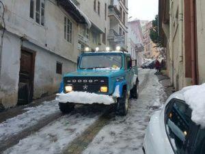 Kar Yağışı Çocukları Mutlu Etti