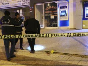 16 Yaşındaki Genç, Cadde Ortasında Tüfekle Vuruldu