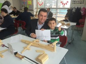 Özel Düzce Fatih İlkokulundan Babamla Uçak Yapıyorum Projesi
