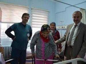 101 Yaşındaki Hastaya Kalça Protezi Ameliyatı Yapıldı