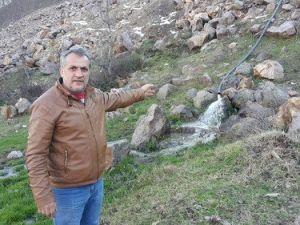Seyitler Köyü Üniversiteye Yakın, Medeniyete Uzak