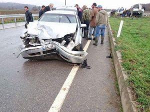 Kaynarcada Trafik Kazası: 4 Yaralı