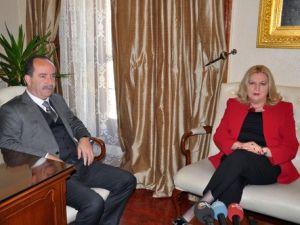 Kosova Diyalog Bakanı Tahiri, Edirne Belediyesini Ziyaret Etti