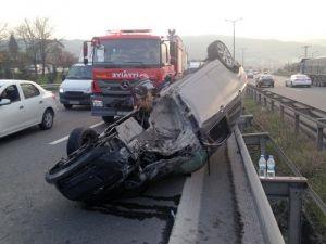 TEM Otoyolunda Otomobil Takla Attı: 2 Yaralı