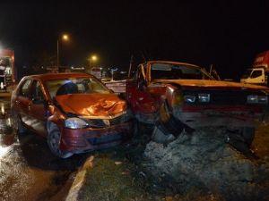 Kazazedelere Yardıma Gitti, Otomobil Çarpıp Öldü