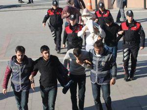 Dönercinin Birikimini Çelik Kasadan Çalan Hırsızlar Yakalandı
