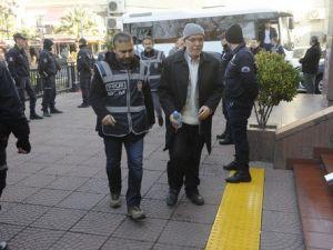 Çanakkalede Gözaltındaki Laçiner ve Diğer Kişiler Adliyeye Tekrar Götürüldü