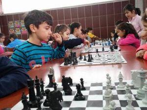 Simav Özel Bahar Ortaokulunda Satranç Turnuvası Düzenlendi