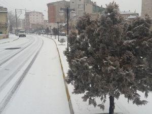 Niğdede Kar Yağışı Başladı