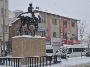 Hakkaride Kar Yağışı Başladı