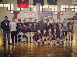 Artsam Koleji Kız Hentbol Takımı Türkiye Şampiyonluğunu Hedefliyor
