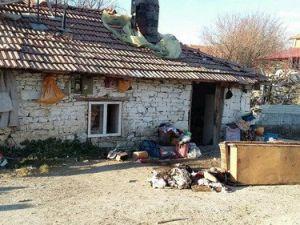 Kibritle Oynayan İki Çocuk Evi Yaktı