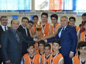 Basketbolda Kâhta Takımlarının Başarısı