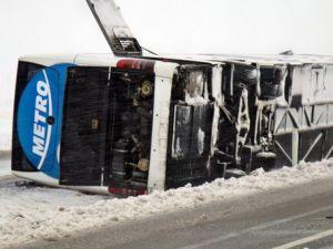 Kırşehirde 2 Otobüs Daha Devrildi: 4ü Ağır 50 Yaralı