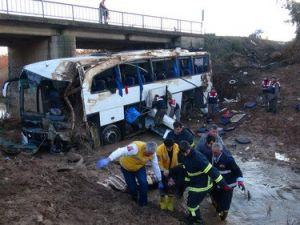 Göçmenleri Taşıyan Otobüs Kazasında Ölü Sayısı 6ya Yükseldi