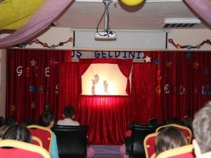Menderes Kolejinde Hacivat Karagöz Gölge Oyunu