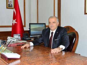 Kırşehir Valisi ve İl Protokolü Çalışan Gazeteciler Gününü Kutladı
