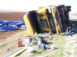 Nusaybindeki Trafik Kazasında Tır Sürücüsü Yaralandı