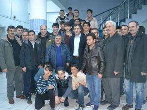 Naim Süleymanoğlu, Korunmaya Muhtaç Çocukları Ziyaret Etti