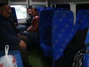 Kar Yağışı ve Tipiden Dolayı Yolda Mahsur Kalan 50 Kişi Kurtarıldı