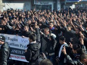 Vanda 12 Kişinin Öldürülmesi Yüksekovada Protesto Edildi