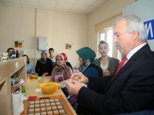 Belediye Başkanı Saraçoğlundan Kursiyerlere Ziyaret