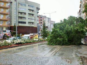 Meteorolojiden Kırşehir İçin Kuvvetli Yağış ve Fırtına Uyarısı