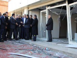 Bakan Tüfenkci, Çınardaki Patlamada İş Yerleri Zarar Gören Esnafı Ziyaret Etti