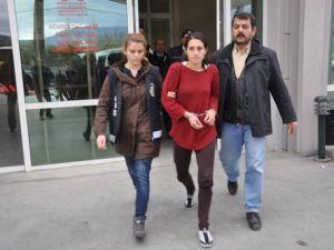 Anne Tutuklandı, Bebeği Toprağa Verildi